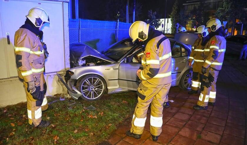 Automobilist ramt transformatorhuisje aan Kantsingel. (Foto: Gabor Heeres / Foto Mallo)