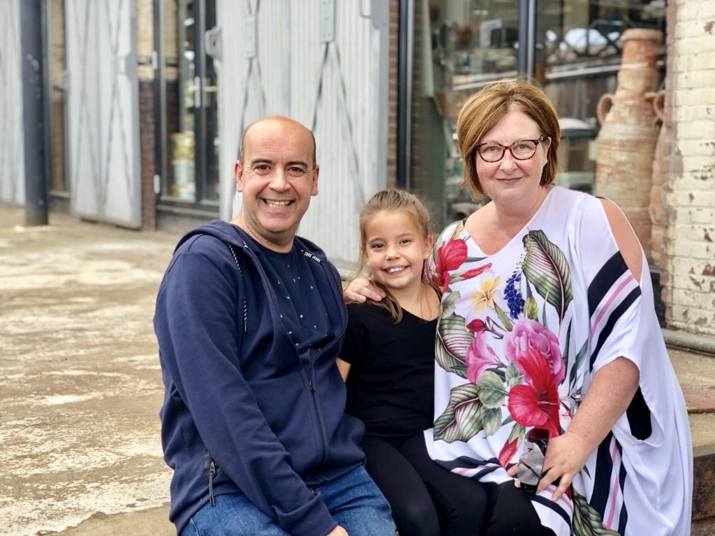 Vader Mark, musicalster in spe Anne-Louise en moeder Claudia.   © Kliknieuws Veghel