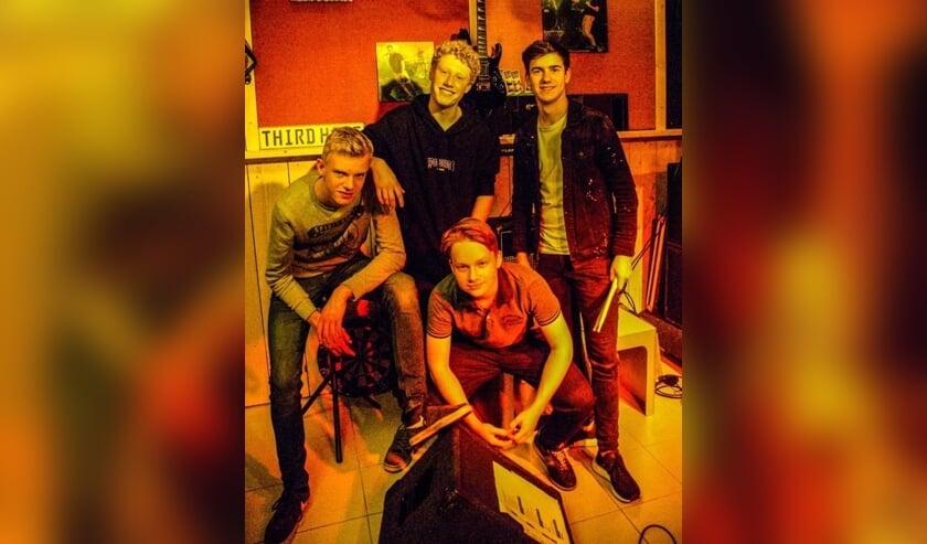 Prima Potlood is een van de bands die meedoet aan de Openveldfeest bandwedstrijd.