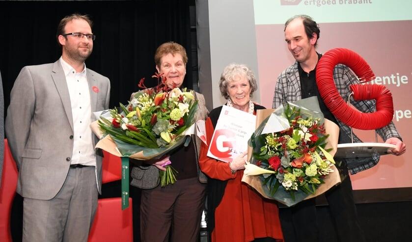 De vorige winnaars: Mientje Wever en Adri Hoppenbrouwers. (Foto: Frans van den Bogaard)