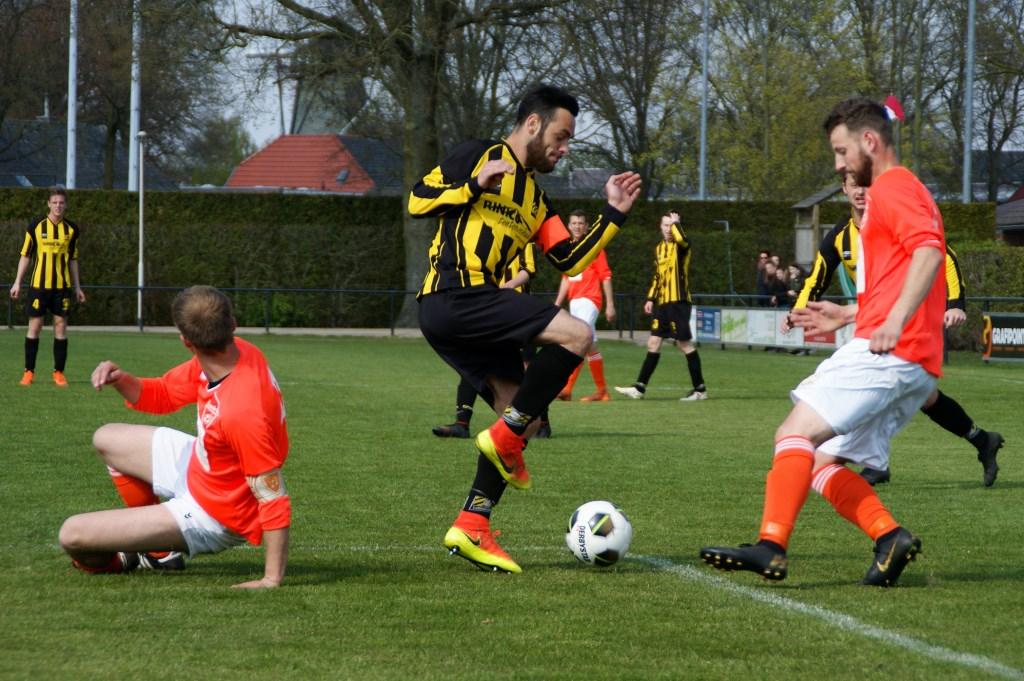 SES versloeg Toxandria. (foto's: Jeff Meijs)  © Kliknieuws De Maas Driehoek