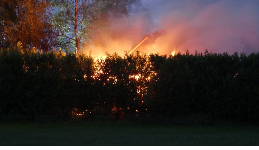 Brand in Geffen. (Foto: Thomas)  © 112 Brabantnieuws