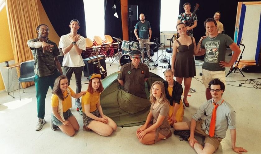 De voorstelling 'Kamp Beeresteijn' van Theatergroep Trots komt naar Veghel.