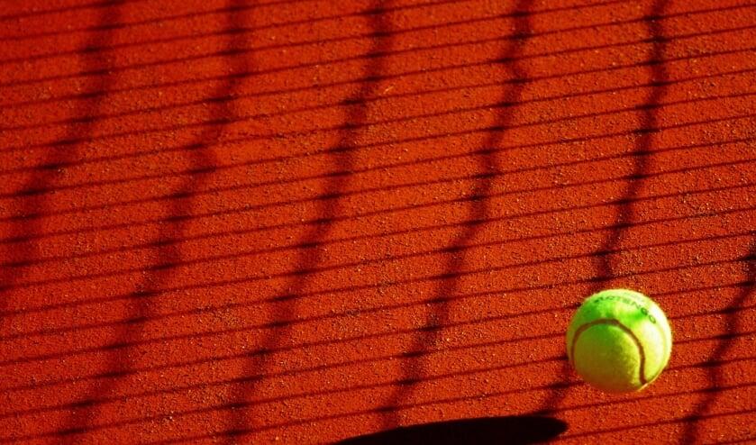 <p>Vrij tennissen en trainen blijft mogelijk.&nbsp;</p>