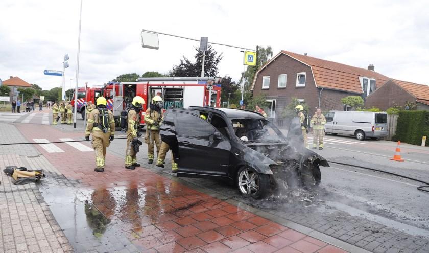 In Milsbeek is een auto uitgebrand.
