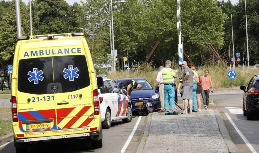 Een fietsster is vanavond op de rotonde de Brabantweg in Gennep geschept door een afslaande automobilist. De vrouw kwam hard ten val, maar liep geen verwondingen op.