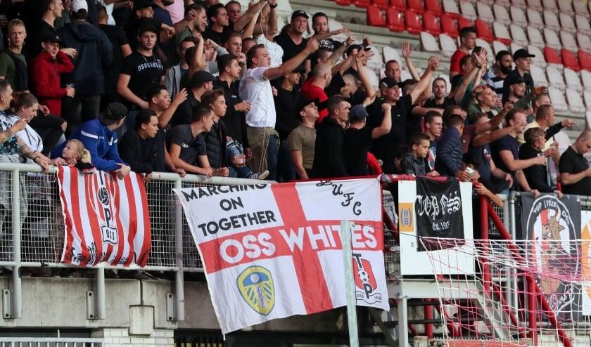 <p>Supporters van TOP Oss. (Archieffoto Hans van der Poel)</p>