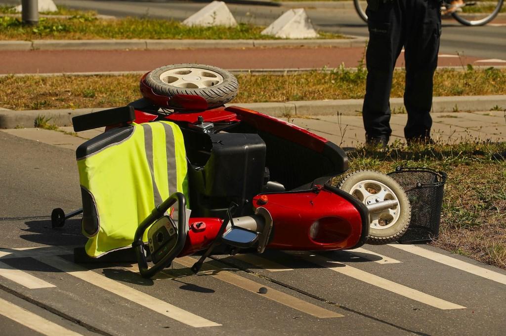 Bestuurder scootmobiel gewond bij ongeval in Oss. (Foto: Gabor Heeres / Foto Mallo)  © Kliknieuws Oss