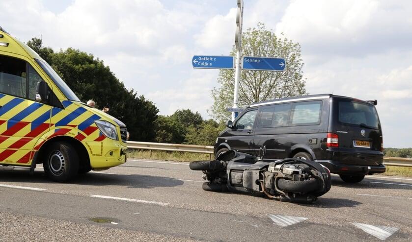 Motorrijder gewond bij aanrijding op Brabantweg bij Gennep.