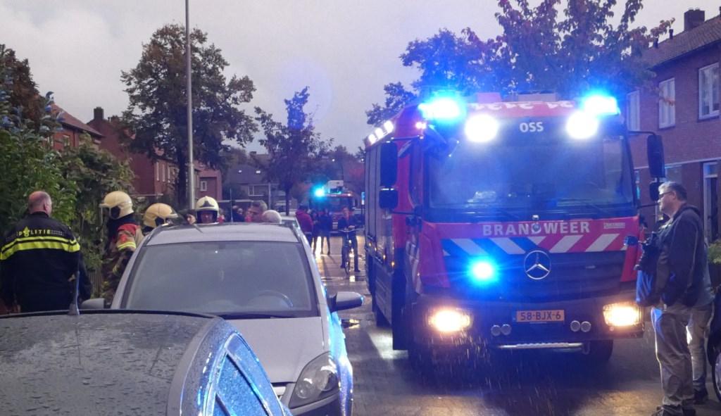 Brandweer in de Piersonstraat. (Foto: Thomas)  © 112 Brabantnieuws