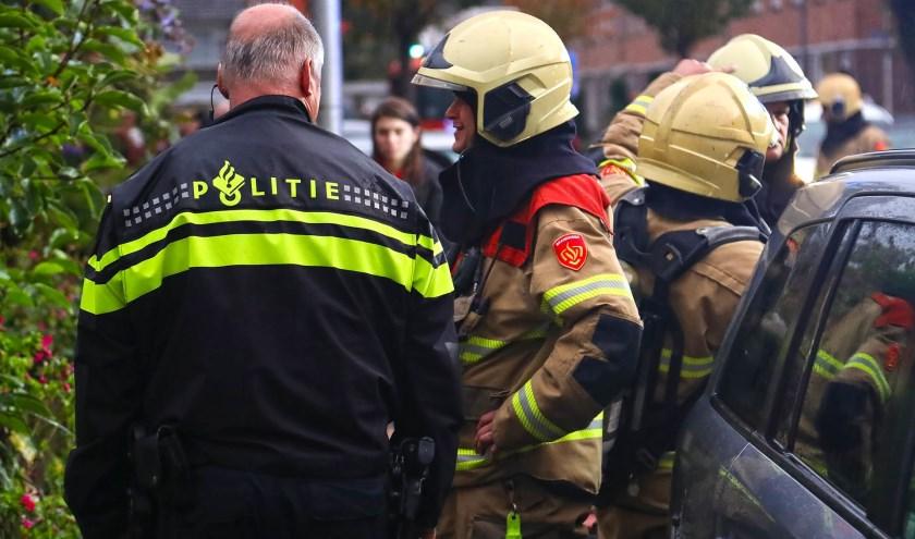 Brandweer opgeroepen voor brandje in woning Piersonstraat. (Foto: Gabor Heeres / Foto Mallo)