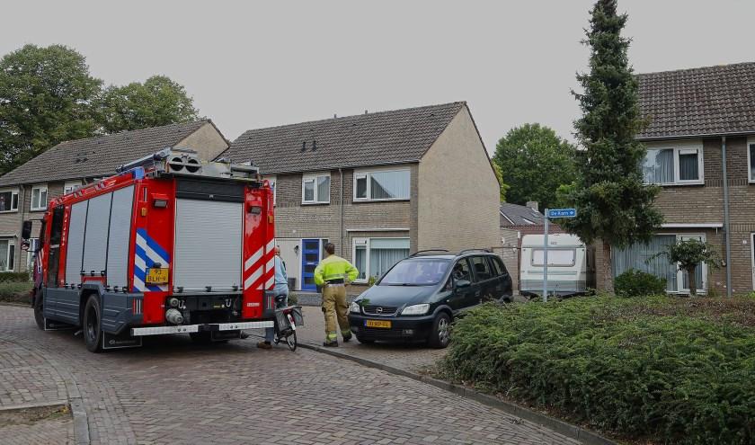 Brandweer opgeroepen voor brandje in Geffense tuin. (Foto: Gabor Heeres / Foto Mallo)