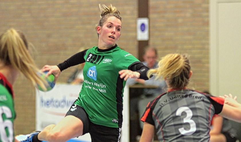 De handbalsters MHV'81 begonnen zaterdag het nieuwe seizoen met een ruime overwinning op United Breda.