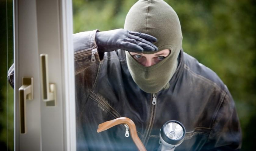Politie op zoek naar getuigen van woninginbraken in Beers en Mill.
