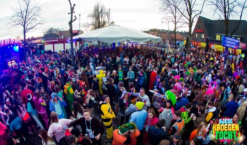 Een bomvol en gevarieerd programma in het centrum van Uden op carnavalszaterdag.