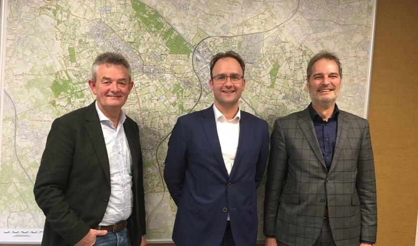 Van links naar rechts: Wethouder Rien Wijdeven van gemeente Bernheze, wethouder Menno Roozendaal en wethouder Henri Willems van gemeente Boekel.