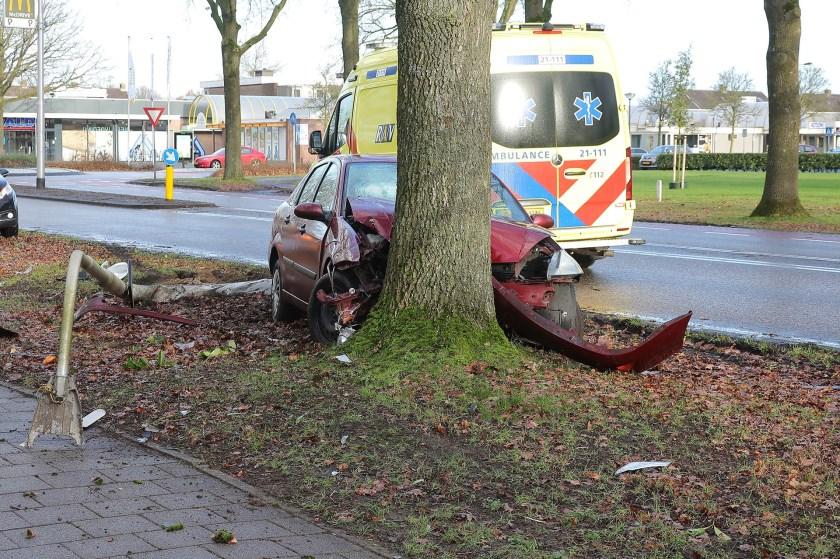 Ongeval op de Heihoeksingel. (Foto: Charles Mallo, Foto Mallo)