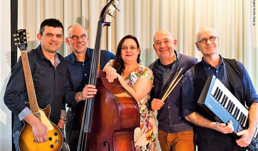 CC Blue is een band uit Midden-Brabant. Het voornaamste in deze groep is de vriendschappelijke band en het plezier hebben in het maken van live muziek.