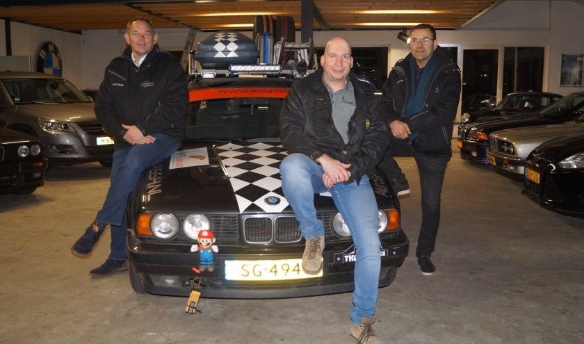 V.l.n.r.: Antoine, Harold, Erwin nemen met Team ASSH Sint Hubert deel aan The Barrel Challenge.