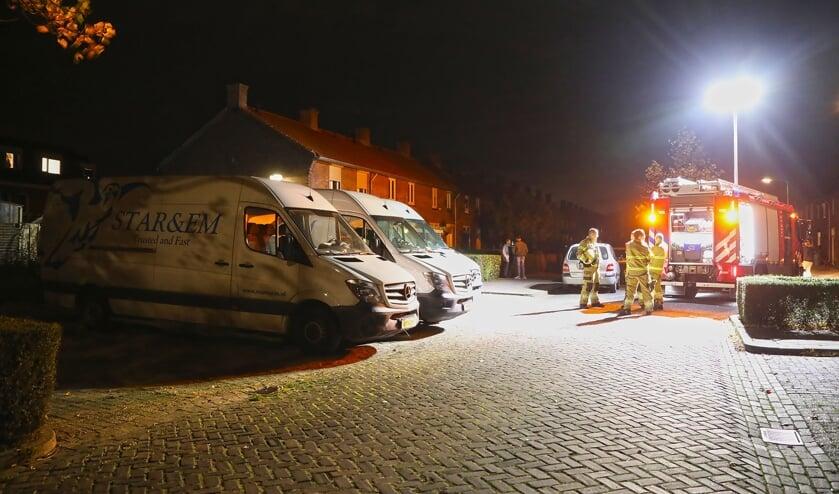 Poging tot brandstichting bij bestelbussen failliet transportbedrijf. (Foto: Gabor Heeres, Foto Mallo)