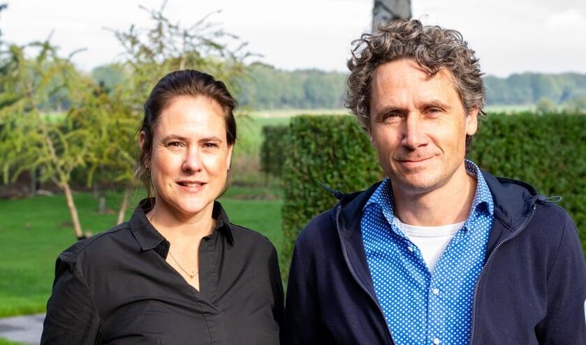 <p>Mascha Hol - de Vries en Diederik Hol. D&eacute; tuinaannemers van Heijderhoff.</p>