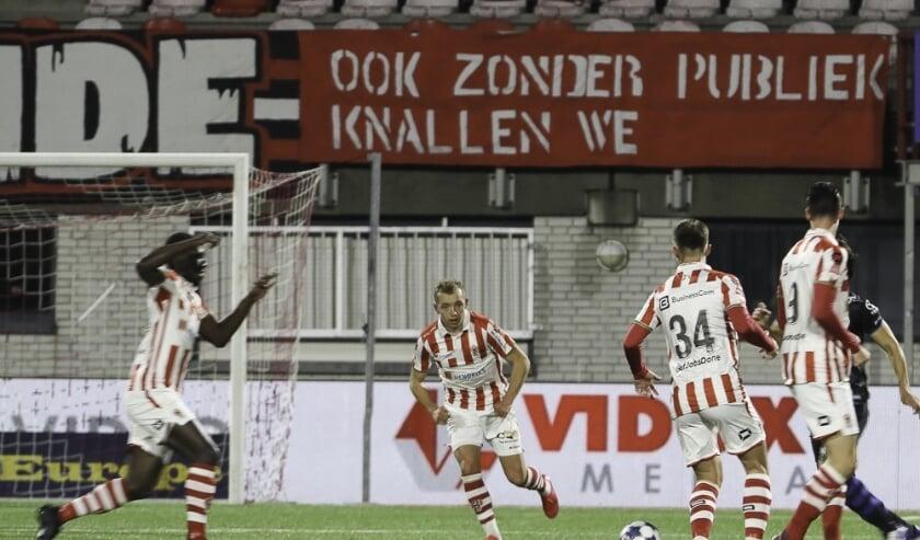 <p>TOP Oss - FC Den Bosch. (Foto: Hans van der Poel)</p>