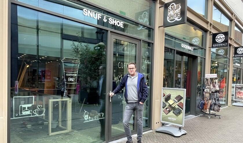 <p>Ondernemer Dennis van der Klaauw hoopt half november De Espresso Bar - Pure Genieten te openen op de Promenade in het centrum van Uden.</p>