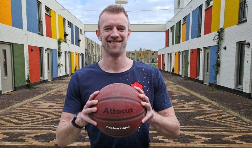 <p>Bart van der Horst is dit jaar een van de sterkhouders van de Veghelse basketbalvereniging Attacus.</p>