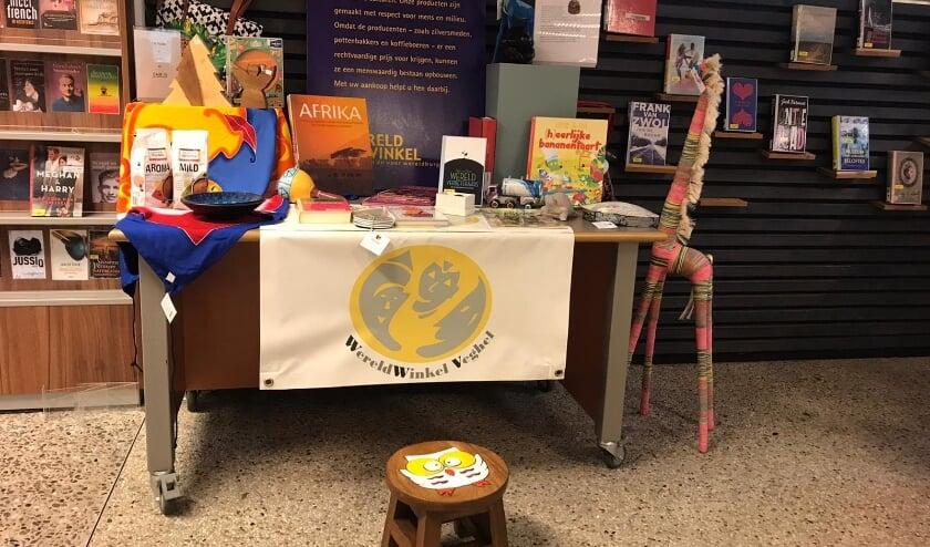 <p>In de Veghelse bibliotheek vragen ze aandacht voor de Fairtrade Week.</p>