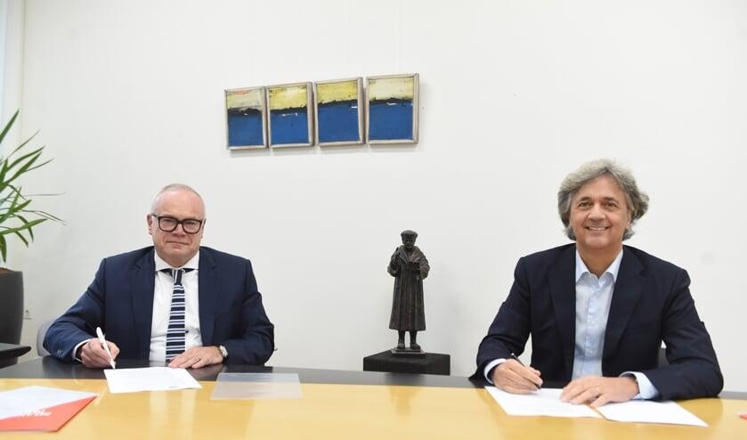 <p>Peer van Summeren en Jos van Kessel. (Henk van Esch Fotografie)</p>