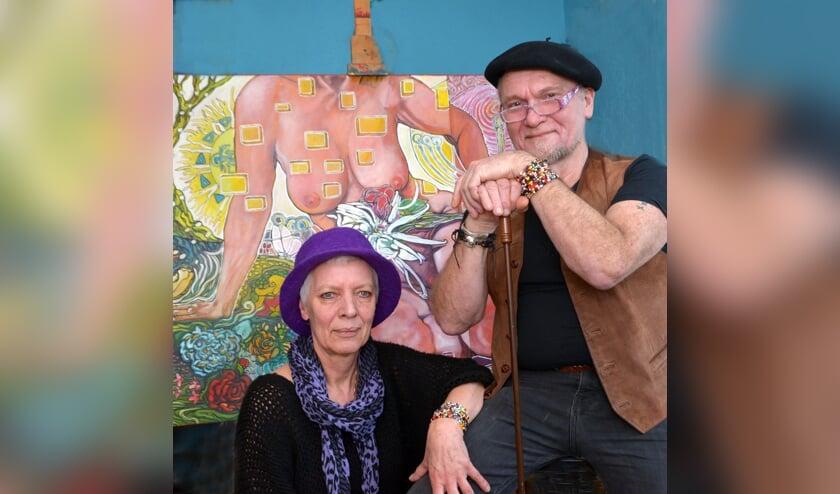 <p>Frans en Olga bij &eacute;&eacute;n van Frans&#39; kunstwerken. (foto: Henk Lunenburg)</p>