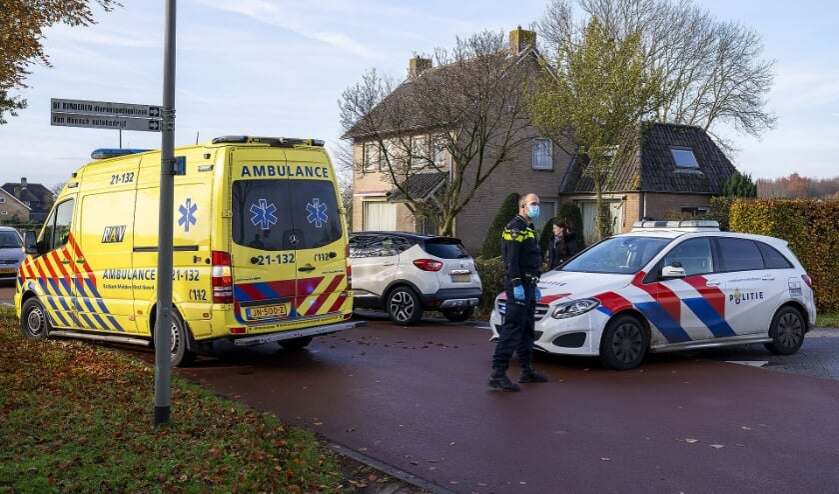 Fietsster gewond bij ongeval in Geffen. (Foto: Gabor Heeres, Foto Mallo)