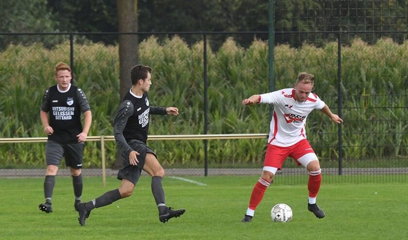 Rechts aan de bal Niels Goertz