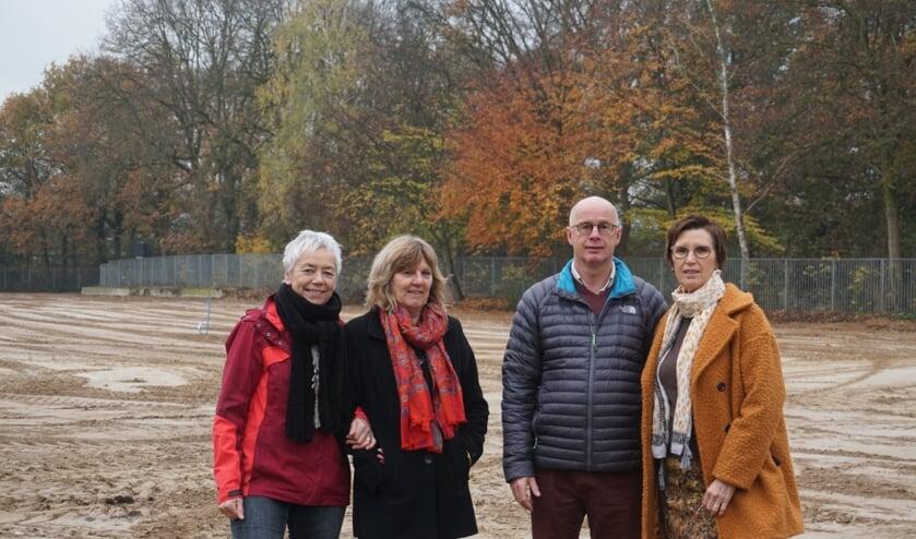De initiatiefgroep Wonen voor Gevorderden Cuijk: Ria Jonkers, Anja Kuipers, Arjo Janssen en Olga van der Zanden.