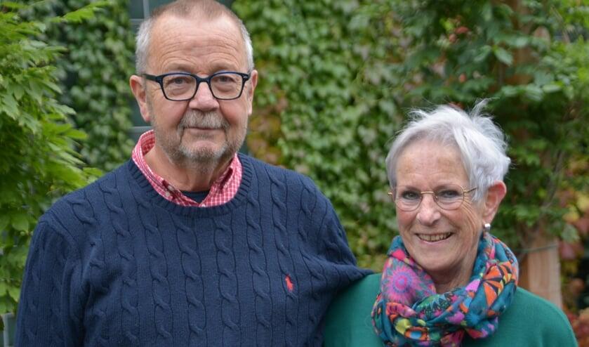 <p>Gerard en Henny, al 50 jaar gelukkig met elkaar. (foto: Henk Lunenburg)</p>