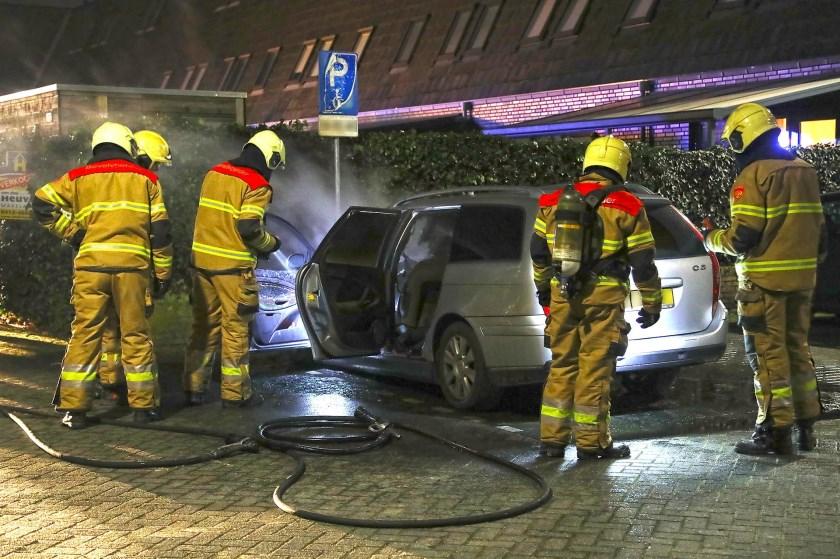 Auto Uitgebrand Aan Moeshof In Berghem Kliknieuws