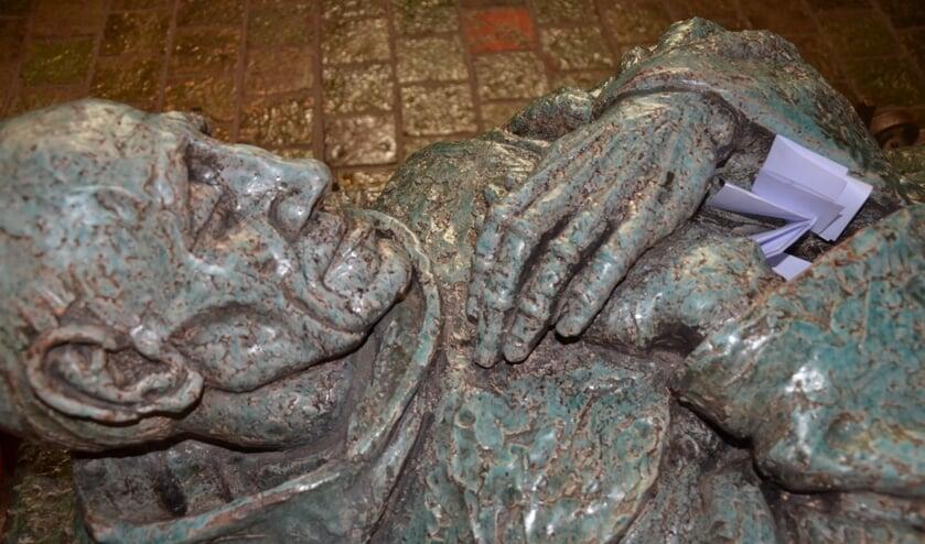 Het beeld van het Heilig Bruurke op zijn graf in de kapel in Megen. (Foto: Paul Spapens)