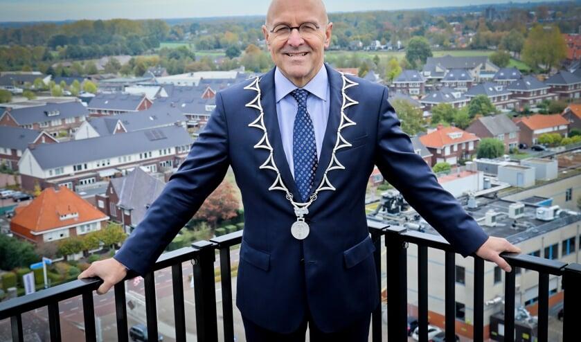 <p>Burgemeester Van Rooij kondigde afgelopen week aan extra&rsquo;s controles te houden in de horeca en bij sportverenigingen.</p>