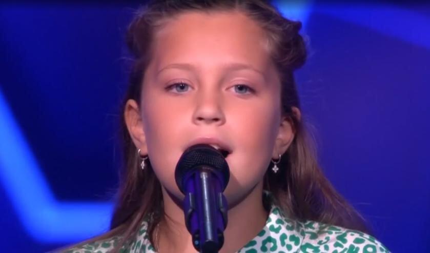 Een fragment uit het optreden van Loïs in The Voice Kids. (foto: The Voice Kids)