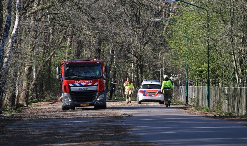 Bij het bos aan de Sportlaan in Boxmeer is brand uitgebroken.
