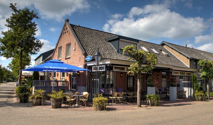 Café Zaal Kleijngeld in Zijtaart is door de Coronacrisis gesloten. Er kan wel friet afgehaald worden.