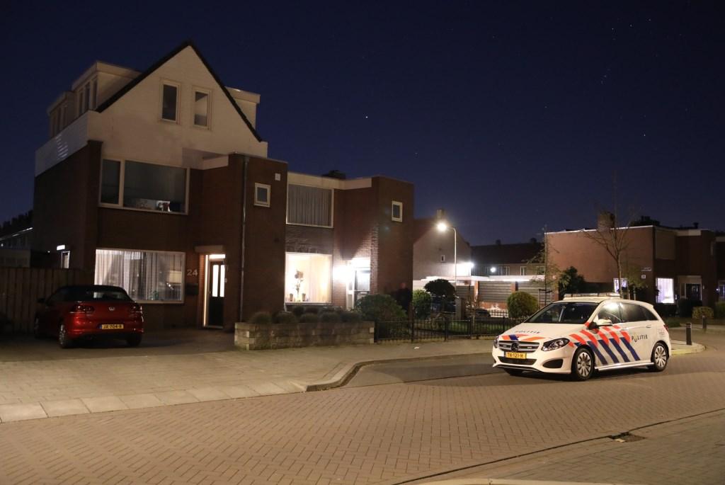 Politie onderzoekt overval in woning Hertog Hendrik 1 straat. (Foto: Gabor Heeres, Foto Mallo)  © 112 Brabantnieuws