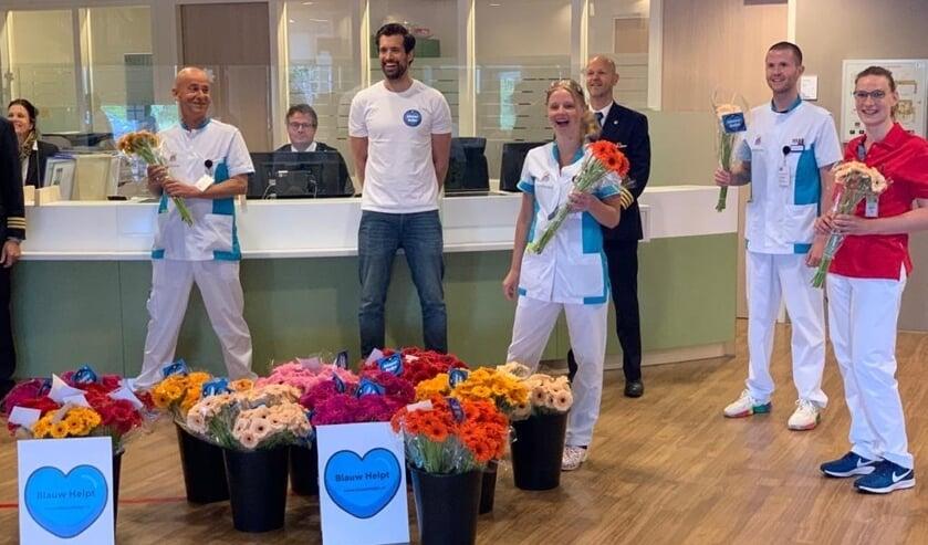 Op de Dag van de Zorg werden onder meer deze verpleegkundigen verrast.