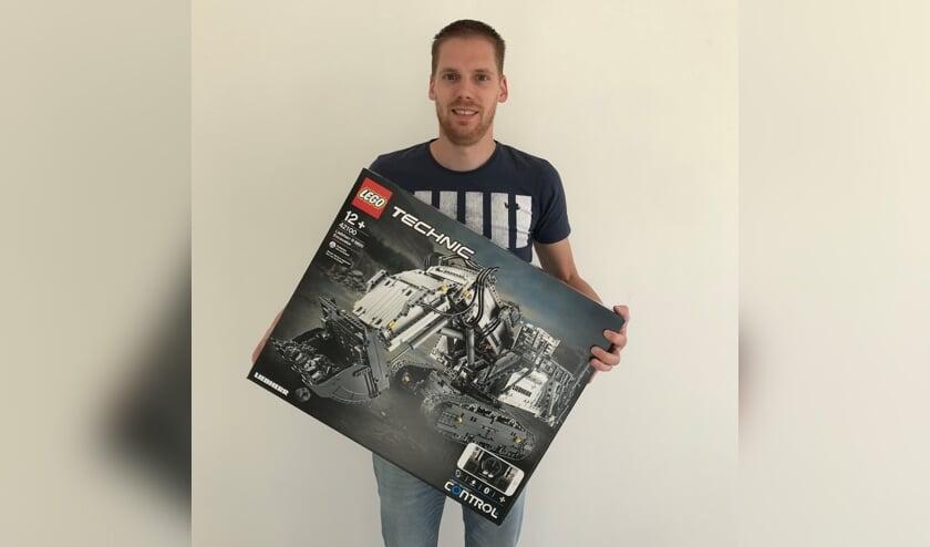 """""""Het bouwen van de allergrootste LEGO-sets, die voornamelijk voor volwassenen zijn ontworpen, werkt ontspannend."""" aldus Fritz"""
