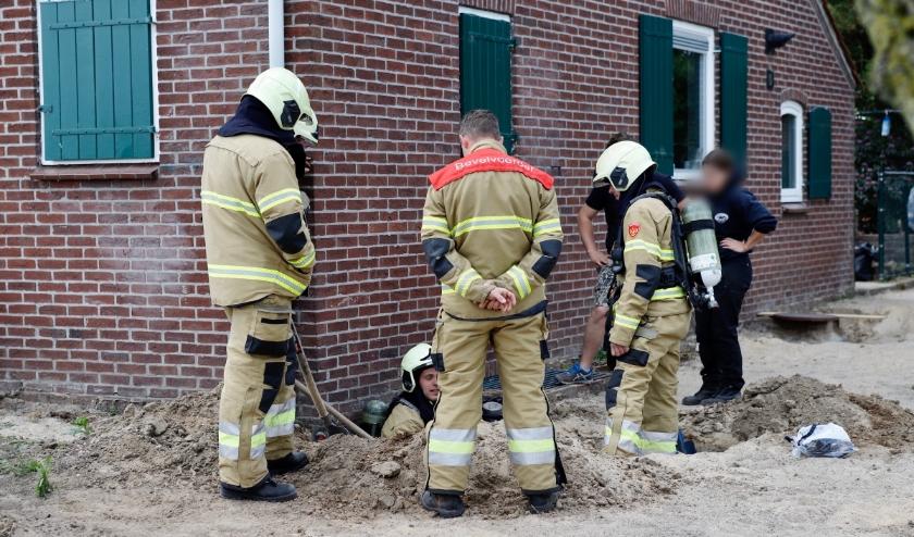 Aan de Hertraksestraat in Sint Agatha is een gasleiding beschadigd.
