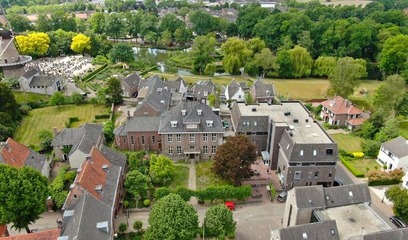 <p>Het voormalige klooster in Ravenstein.</p>