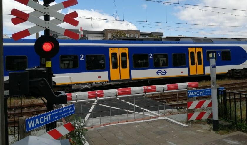 <p>Een trein bij het station in Oss.</p>