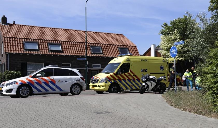 De motorrijder is per ambulance overgebracht naar het ziekenhuis.