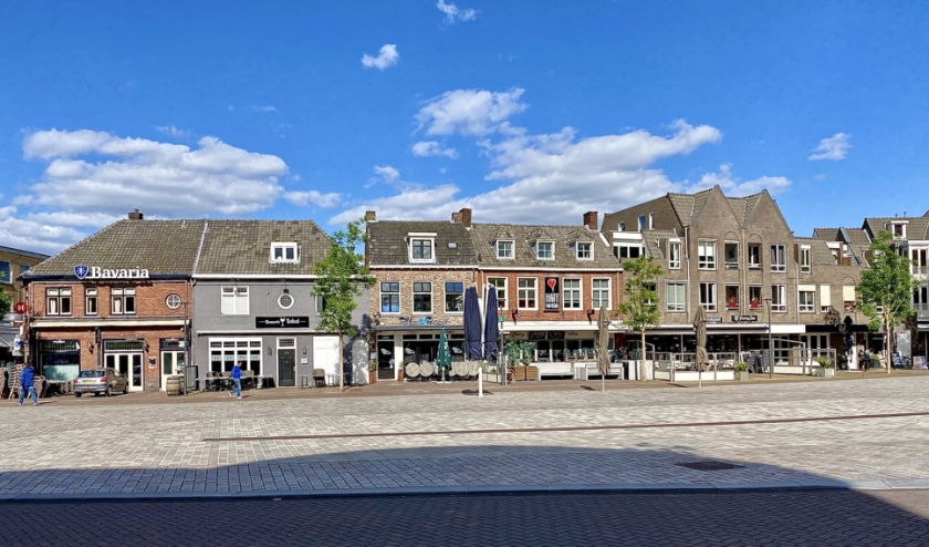 Voor de horecazaken op de Markt is ruimte genoeg voor extra terrassen om de ander halve meter regel te waarborgen.