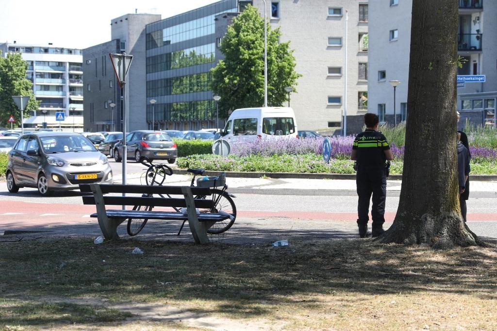Fietser gewond bij ongeval op Schaepmanlaan. (Foto: Gabor Heeres, Foto Mallo)  © 112 Brabantnieuws